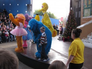 Sesame Place dancing with Cookie Monster